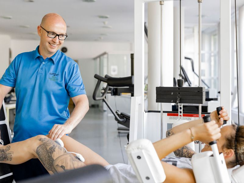 Physiotraining mit Personal Trainer